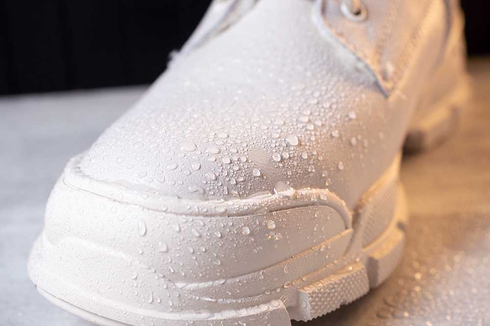 BEST SHOE PROTECTOR SPRAYS FOR WHITE SHOES